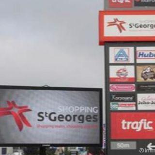 Surface commerciale à louer à Saint-Georges-sur-Meuse