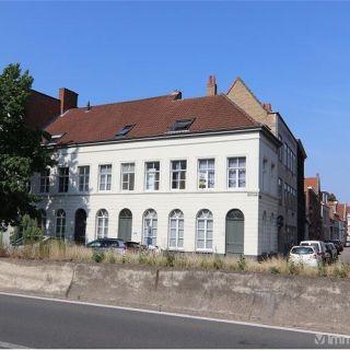 Maison de rapport à vendre à Bruges