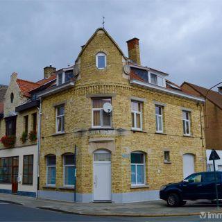 Maison de rapport à vendre à Roeselare