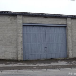 Garage à louer à Bande