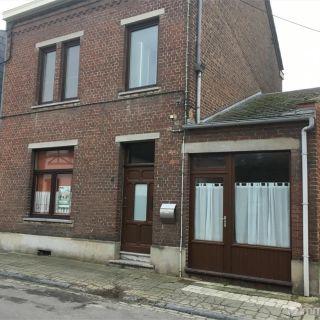 Maison à louer à Mont-sur-Marchienne