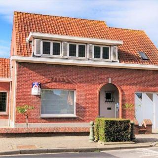Huis te koop tot Langemark-Poelkapelle