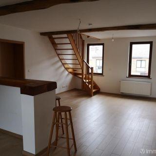 Appartement à louer à Bouge