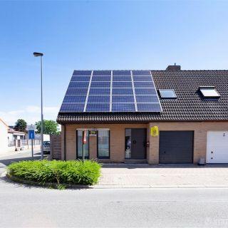 Huis te koop tot Oostrozebeke