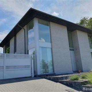 Villa à vendre à Genk
