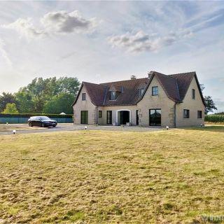 Villa à vendre à Helchin