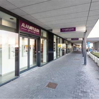 Surface commerciale à louer à Sint-Eloois-Vijve