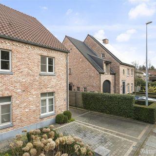 Villa te koop tot Hoegaarden