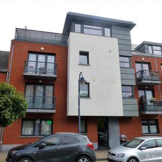 Appartement te huur tot Court-Saint-Étienne
