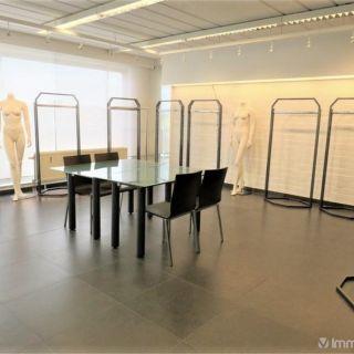 Surface commerciale à vendre à Strombeek-Bever