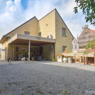 Villa à vendre à Zomergem