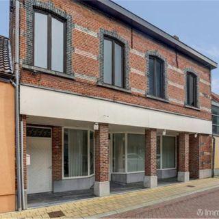 Surface commerciale à vendre à Sint-Amands