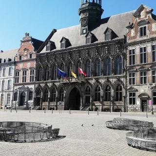 Trois commerces historiques de Mons