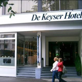 De Keyser****