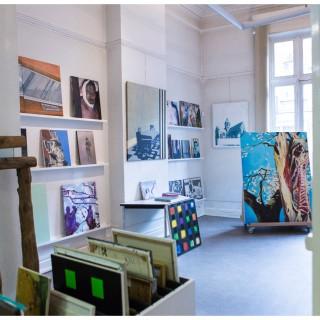 Kunst In Huis Kunstuitleen Vzw