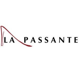 LA PASSANTE