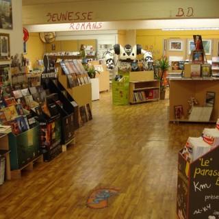 Jaune - Librairie BD / Romans / Jeunesse