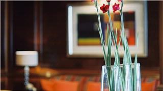 Loui Lounge & Bar