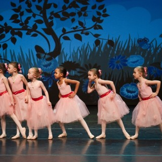 Danz Royal (RAD Ballet School)